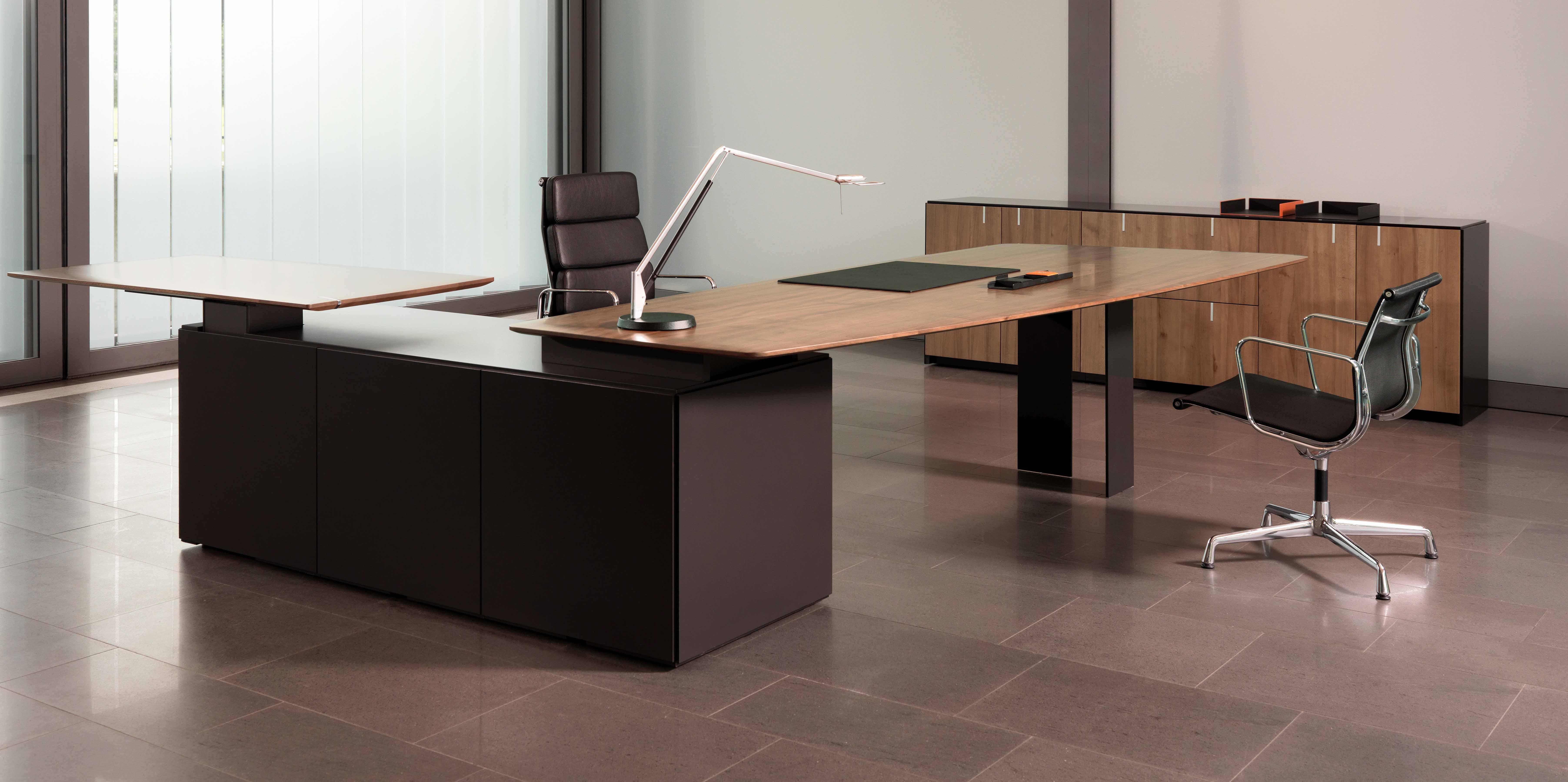 zoom office. Black Bedroom Furniture Sets. Home Design Ideas